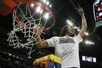 Brittney Griner dunks again | McMaster- Brittney Griner | Scoop.it