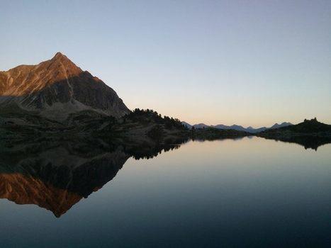Lac de Port Bielh au couchant le 24 août - Frantz Petiteau | Vallée d'Aure - Pyrénées | Scoop.it