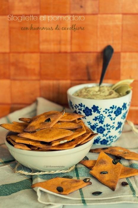 Sfogliette di farro con hummus di cavolfiore - Una V nel piatto - Ricette Vegane e Mondo Vegan   Una V nel Piatto   Scoop.it