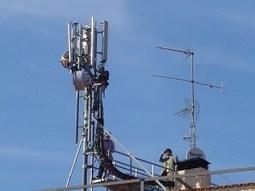 Proponen analizar efectos adversos de radiación de antenas de telefonía móvil instaladas en viviendas | Contaminación electromagnética y tóxicos | Scoop.it