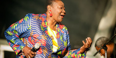 Calypso Rose : la joie de vivre de la reine du calypso produite par Manu Chao | France TV | Kiosque du monde : Amériques | Scoop.it
