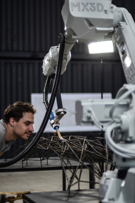 New robot technology by Dutch designer can 3D-print a steel bridge in mid-air over a canal | Indexceeded | Scoop.it