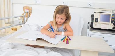 Poursuivre sa scolarité à l'hôpital | Essentiel Santé Magazine | On innove à l'hôpital | Scoop.it