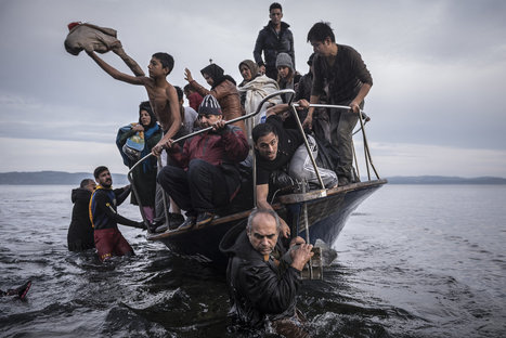 Photography Pulitzer for Coverage of Refugee Crisis | Backstage Rituals | Scoop.it