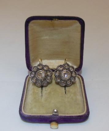 ORECCHINI TOPPE FINE XIX SECOLO IN ORO ARGENTO E DIAMANTI   Old Jewellry   Scoop.it