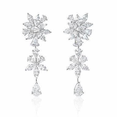 Diamond 18k White Gold Dangle Earrings | Exquisite Earrings | Scoop.it