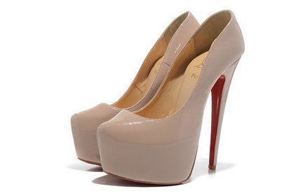 search the logo, you know it really is Louboutin, the widely used shoes from Paris. | sexy Christian Louboutin shoes | Scoop.it