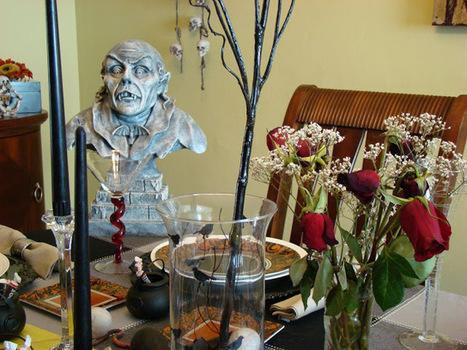 Halloween Display | Creativity in the School Library | Scoop.it
