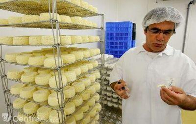 En plus de l'enseignement et la production fromagère, l'Enilv d'Aurillac développe la vente aux particuliers | Production | Scoop.it