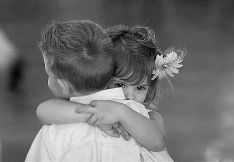 Hugs produce oxytocin. Oxytocin makes us more empathetic towards others. | Social Neuroscience Advances | Scoop.it