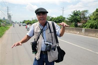 'Napalm girl' photographer returns _ with iPhone, Instagram | iPhoneography attempts and journalism | Scoop.it