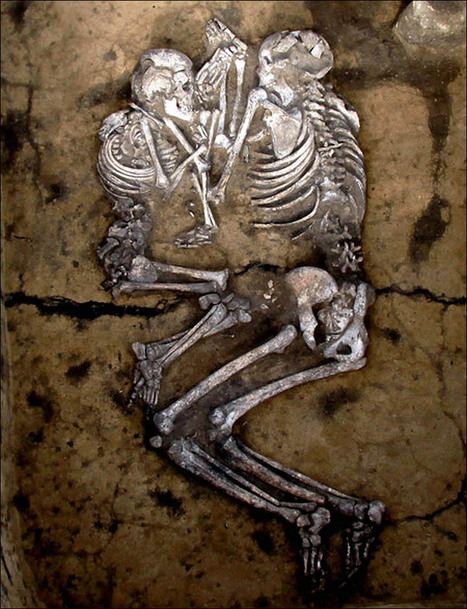 RUSSIE : Modern science to unlock the secrets of couples holding each other in loving embrace for 3,500 years | World Neolithic | Scoop.it