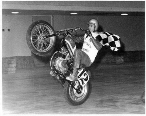 #TBT with Flat Track legend Eddie Mulder rippin' a wheelie. He will serve as Gra... | California Flat Track Association (CFTA) | Scoop.it