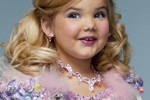 'I was in beauty pageants as a child'   The Negative Effects of Kids in Beauty Pageants   Scoop.it