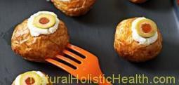 Easy Halloween Treat: Spooky Eyeball Potatoes | Home & Hearth | Scoop.it