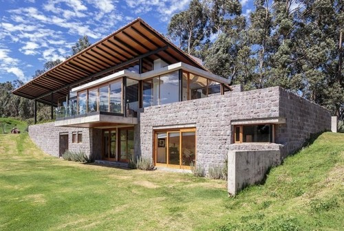 Magnifique maison bois et pierre par diez muller - La maison wicklow hills par odos architects ...