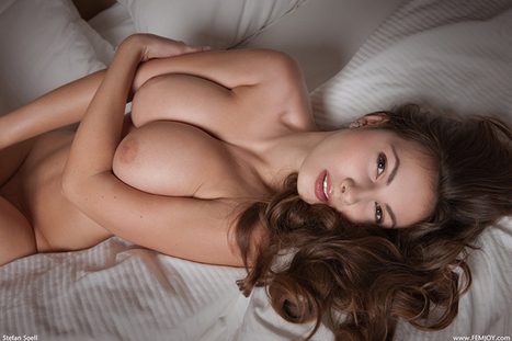 On the bed. | Busty Boobs Babes | Scoop.it