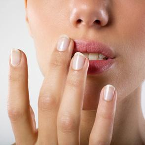Soigner un bouton de fièvre rapidement : astuce 100 % efficace | Huiles essentielles HE | Scoop.it