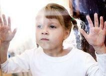 Autisme valt bij meisjes vaak niet op | Tienerouders. | Scoop.it