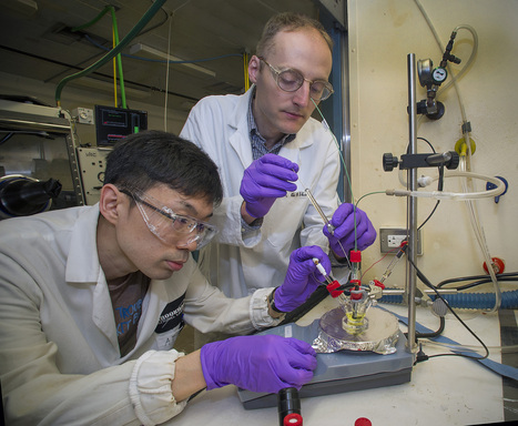 Ionic liquid boosts efficiency of CO2 reduction catalyst | Physics | Scoop.it