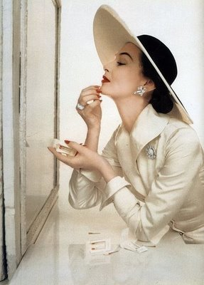 à la parisienne: I've Fallen for Ivory- Vintage Vavoom! | Vintage Whatever | Scoop.it
