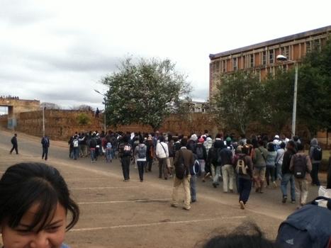 Des étudiants malgaches vent debout contre la hausse de leurs frais d'études | Higher Education and academic research | Scoop.it