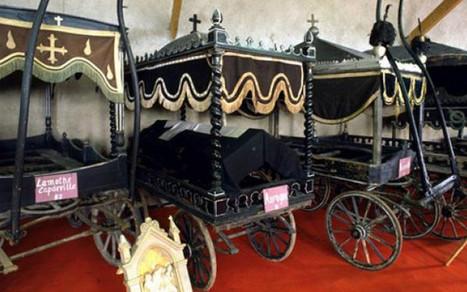 Des corbillards ressuscités au musée | Mort et Deuil | Scoop.it