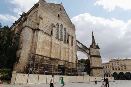 Les ouvriers attaquent la façade ouest | Bordeaux : tourisme et art de vivre | Scoop.it