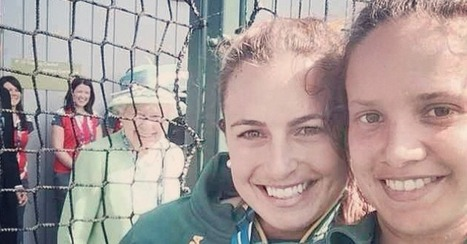 There's No Photobomb Like a Queen of England Photobomb | I Wish I Thought Of That! | Scoop.it