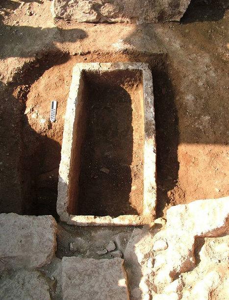 2,800-Year-Old Zigzag Art Found in Greek Tomb | Bibliothèque des sciences de l'Antiquité | Scoop.it