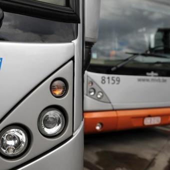 Des chauffeurs de la Stib s'arrêtent pour prier dans leur bus ou leur tram: une dizaine de plaintes sont déposées chaque année | Belgitude | Scoop.it