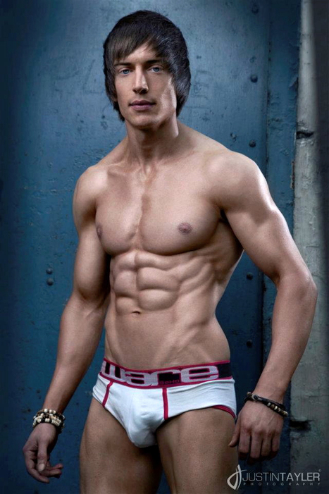 Fitness model interview: Alexander Hughes | The 5 Chambers Of Fitness | Scoop.it