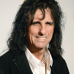 Q&A: Alice Cooper Plans Classic Rock Covers Album | Tune Town Talk | Scoop.it