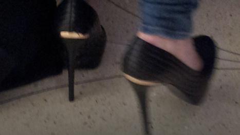 Tech CEO Thinks Women Who Wear High Heels Don't Have a Brain   Women in Business   Scoop.it