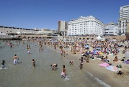 Grosse pollution à la plage des Catalans de Marseille | Toxique, soyons vigilant ! | Scoop.it