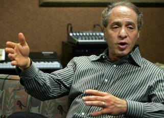 Futurist Ray Kurzweil predicts in-body computers and a potential war with machines | Conciencia Colectiva | Scoop.it