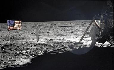 First man on moon Neil Armstrong dead at 82: family | Science Communication from mdashf | Scoop.it