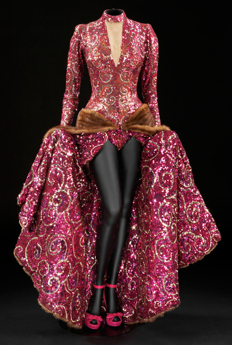 24 Fierce Gowns That Scream World Domination | Potpourri | Scoop.it