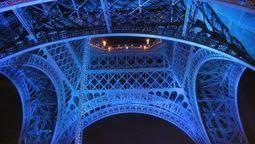 Valheenpaljastaja: Nämä jutut Pariisin iskuista eivät olleet totta | Kirjastoista, oppimisesta ja oppimisen ympäristöistä | Scoop.it