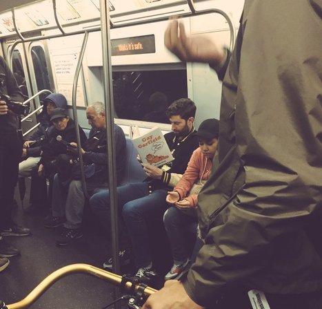 Ils lisent de faux livres dans le métro : la suite, plus hilarante encore | Veille pour rire ou sourire | Scoop.it