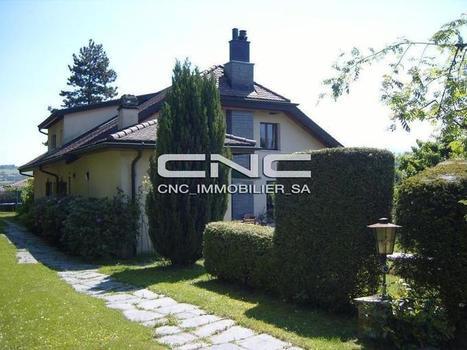 Villa des alentours de Fribourg, caractérisée par un beau jardin...   Immobilier Fribourg   Scoop.it