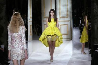 Giambattista Valli fashion in pictures   Pictures - Senior, Maternity, Fashion, Family and Weddings   Scoop.it