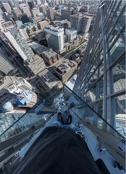 Must see: Jaw-dropping photos taken atop Toronto's tallest skyscrapers | The BuzzBuzzHome Blog | Cidades e pessoas | Scoop.it