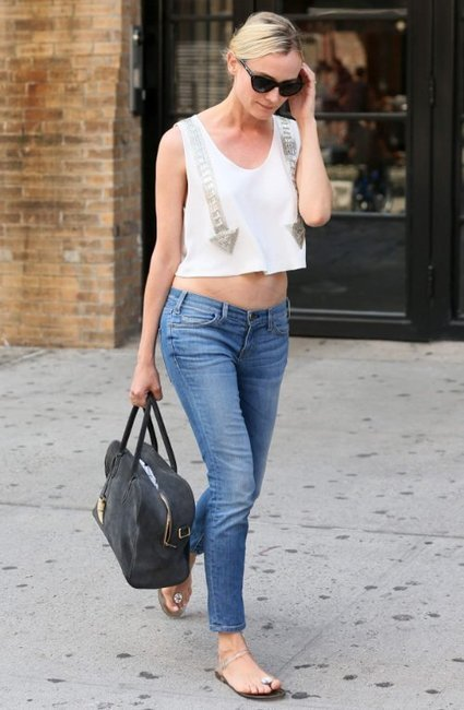 Diane Kruger Displays Her Trim Tummy in New York City | Celebrity Fashion News | Scoop.it