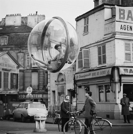 The Bubble Girl in Paris - 1963 | Reflejos | Scoop.it