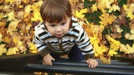 Il sauve un bébé de 21 mois coincé sur un toit (à 8 mètres de ... - Magic Maman   Puériculture   Scoop.it