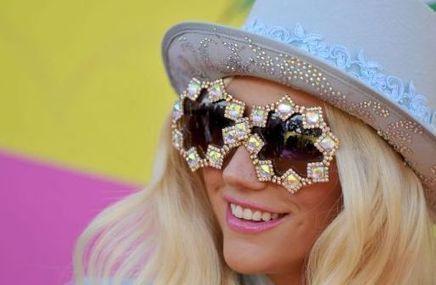 Lunettes Mode –  kesha et ses lunettes gold square ! | Lunettes Mode | Scoop.it