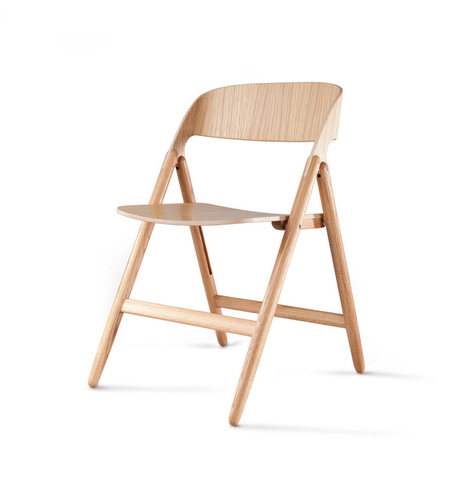 Une mise à jour moderne tout en bois pour la traditionnelle chaise pliante par David Irwin | inoow design lab | Scoop.it