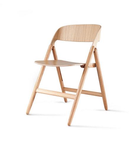 Une mise à jour moderne tout en bois pour la traditionnelle chaise pliante par David Irwin | inoow design lab | Scoop.it