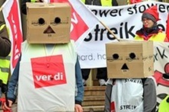 Amazon workers in Germany strike and threaten more action | real utopias | Scoop.it